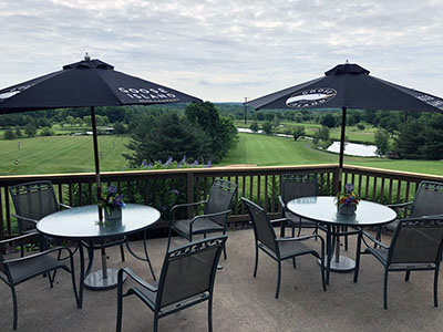 outdoor dining at Lyman Orchards Golf Club in CT